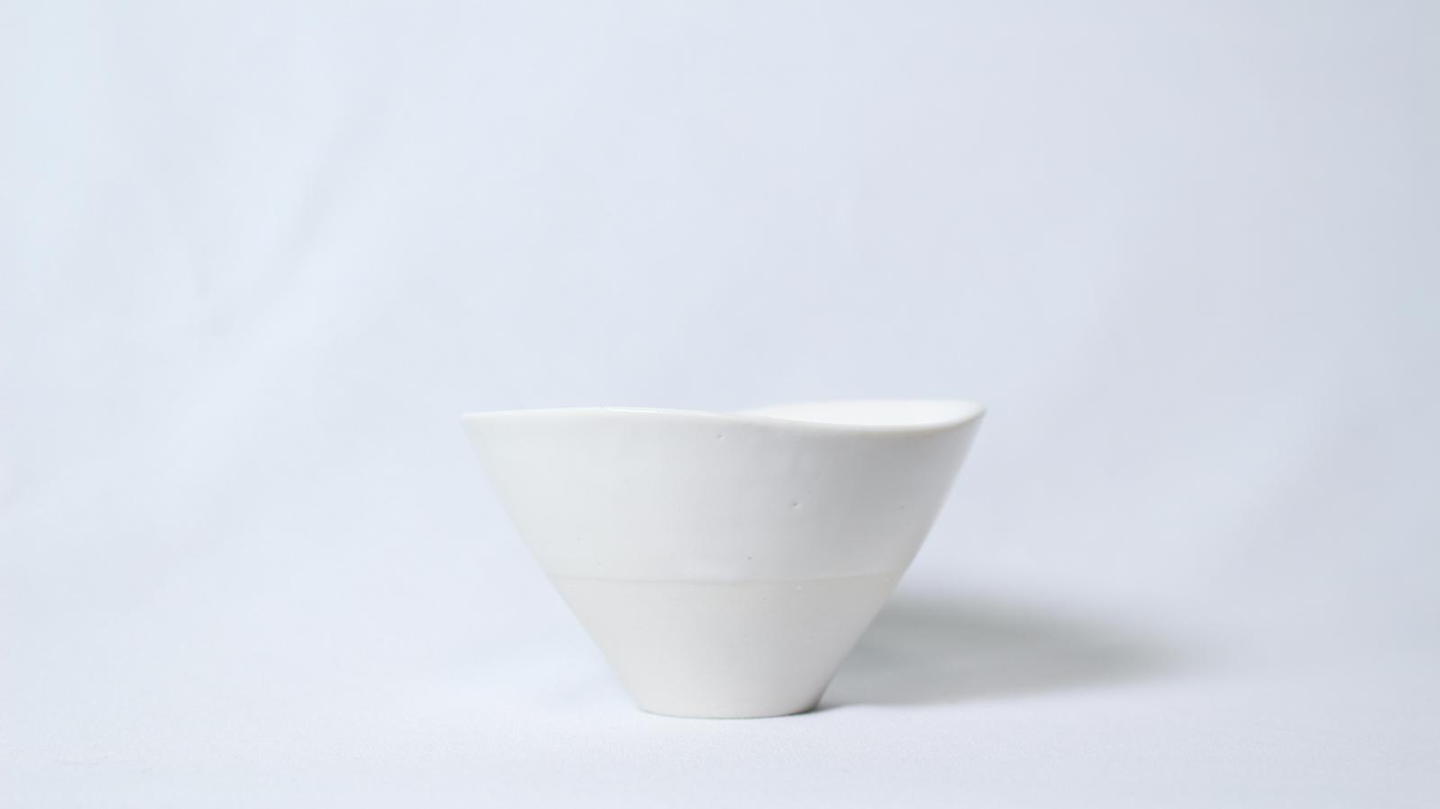 白磁・透光性小鉢